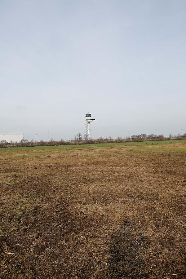 In Kursdorf gab es mal zwei Spielflächen für Volleyballturniere, einen Schotter- und einen Beachvolleyballplatz. Reste davon kann man noch erahnen, die Spielflächen sind überwuchert von Gras.