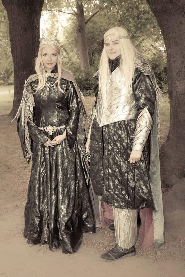 Mira Sommers Gewand ist eine Variation der Elvenqueen of Mirkwood. Komplett eigenhändig designed und produziert.
