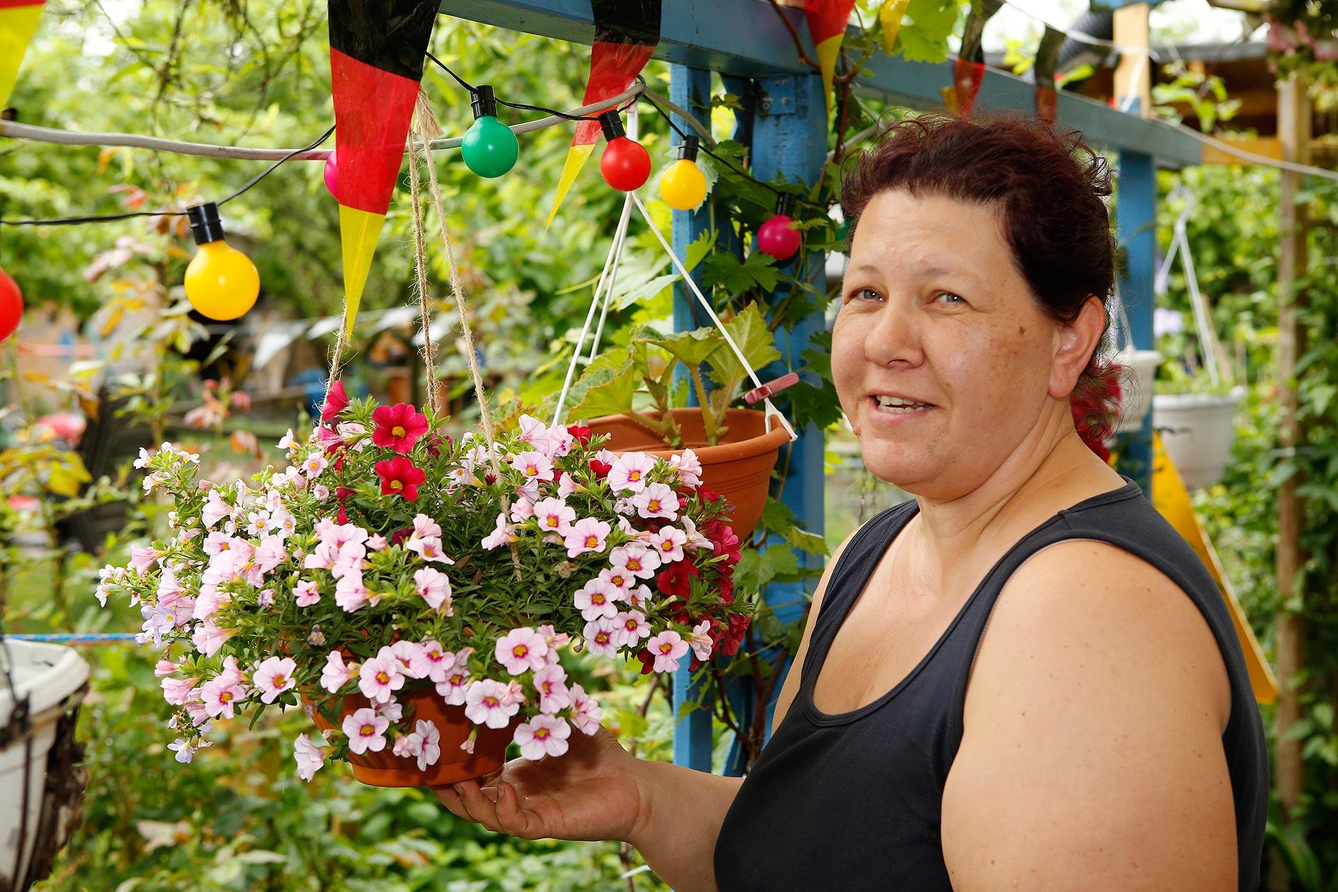 Kleien Oase: Annett Petrick liebt ihren Garten.