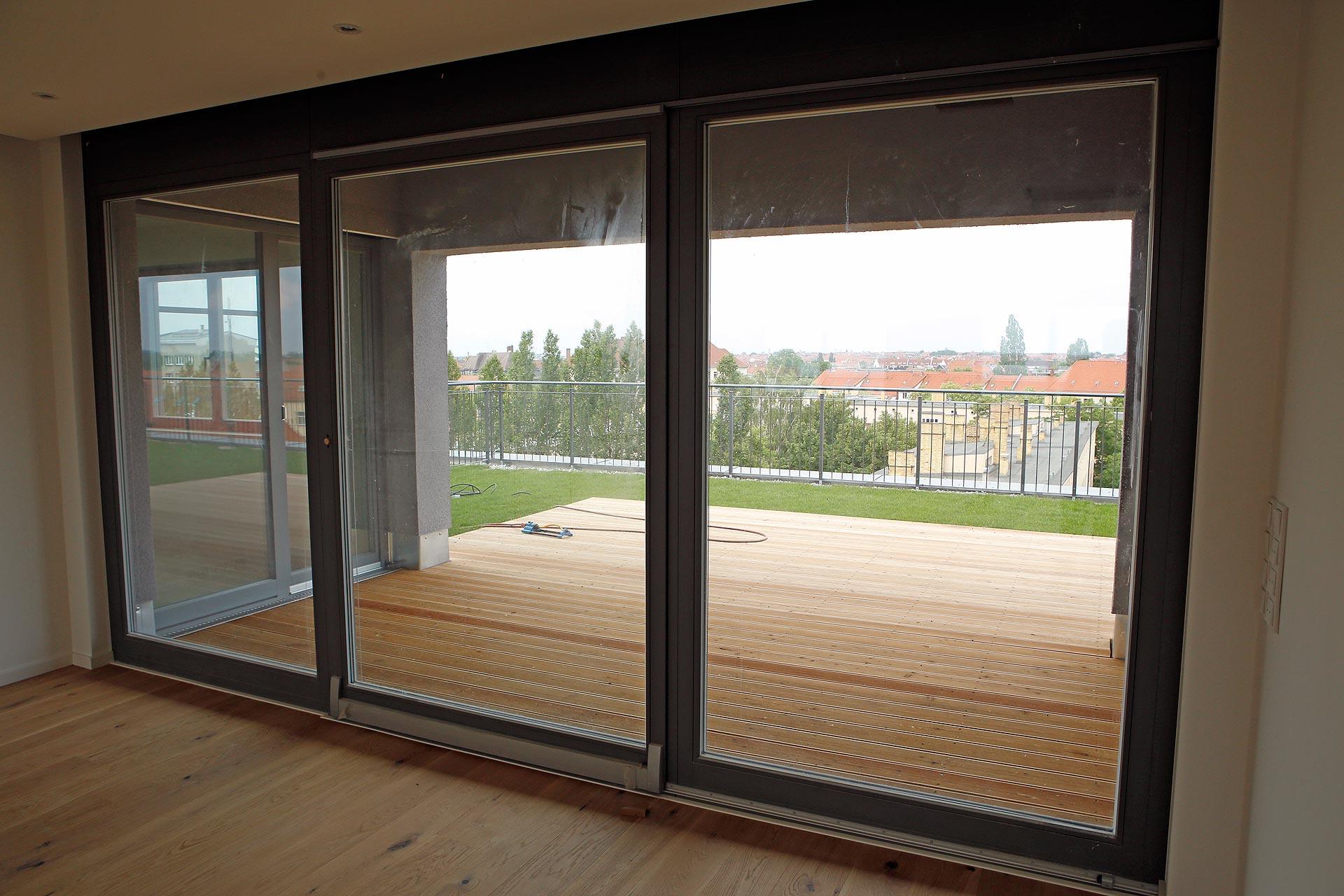 Dieses Penthaus hat 160 Quadratmeter Wohnfläche, Eichholzparkett und zwei Bäder.