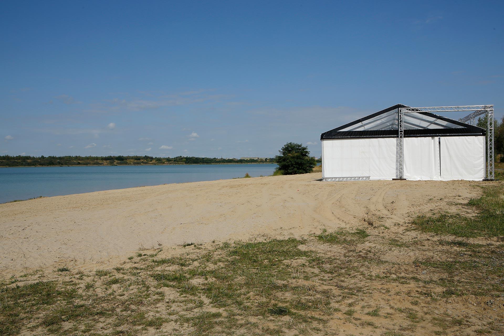Noch ist es ruhig am Strand. Doch in wenigen Tagen liegen hier die Badegäste dicht an dicht.