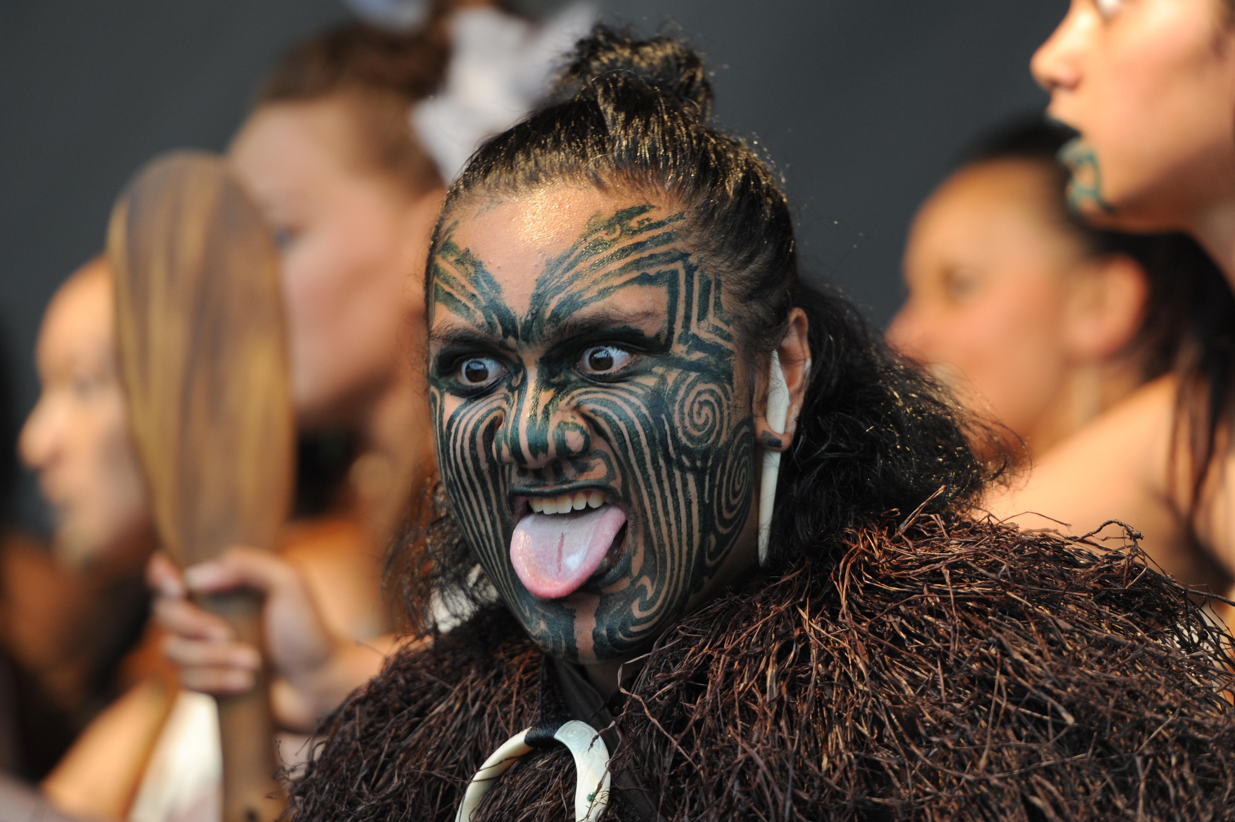 Tattoos markieren die Zugehörigkeit zu einem Stamm.