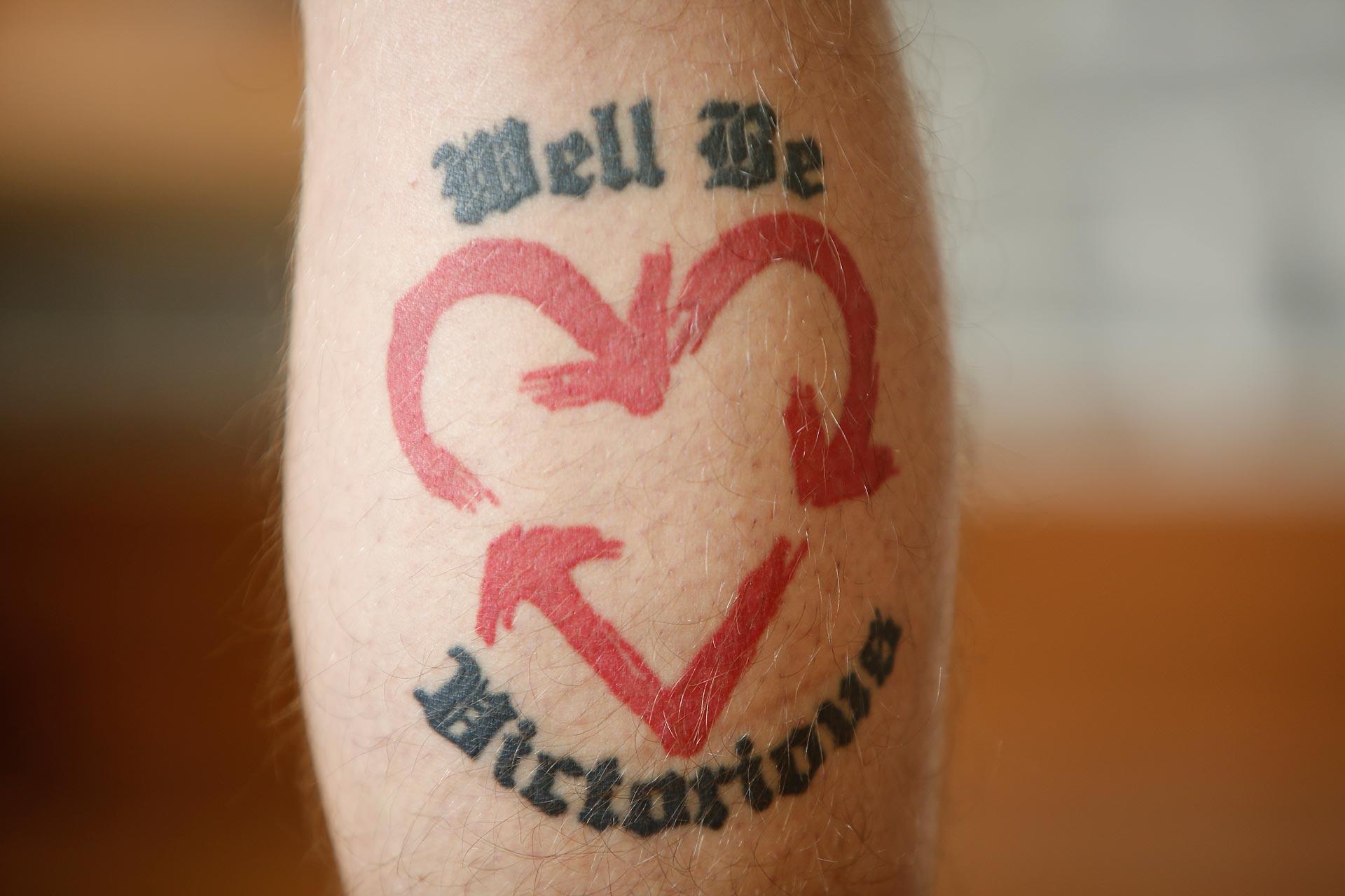 Tattoo-Sünde: Das Motiv einer einer amerikanischen Hardcore-Band gefällt Pährisch heute nicht mehr.