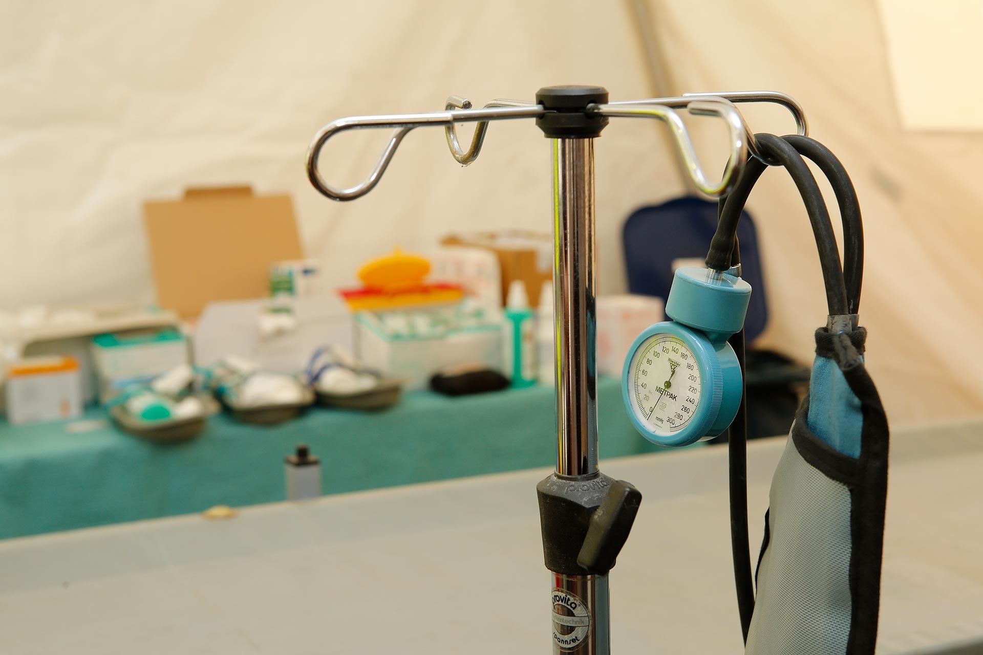 In zwei mobilen Unfallzelten werden verletzte Festivalbesucher behandelt.