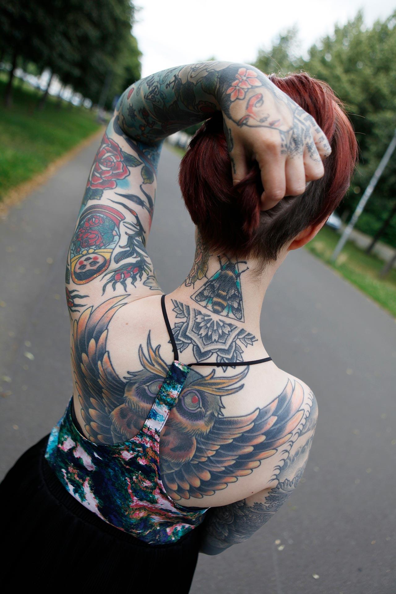 70 Prozent ihres Körpser sind mit Tattoos bedeckt.
