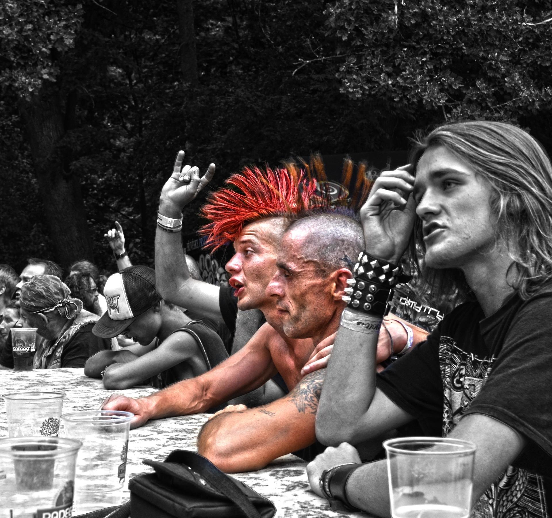 In der Zeit des Punks in den 80er Jahren waren Tattoos stark im Kommen.