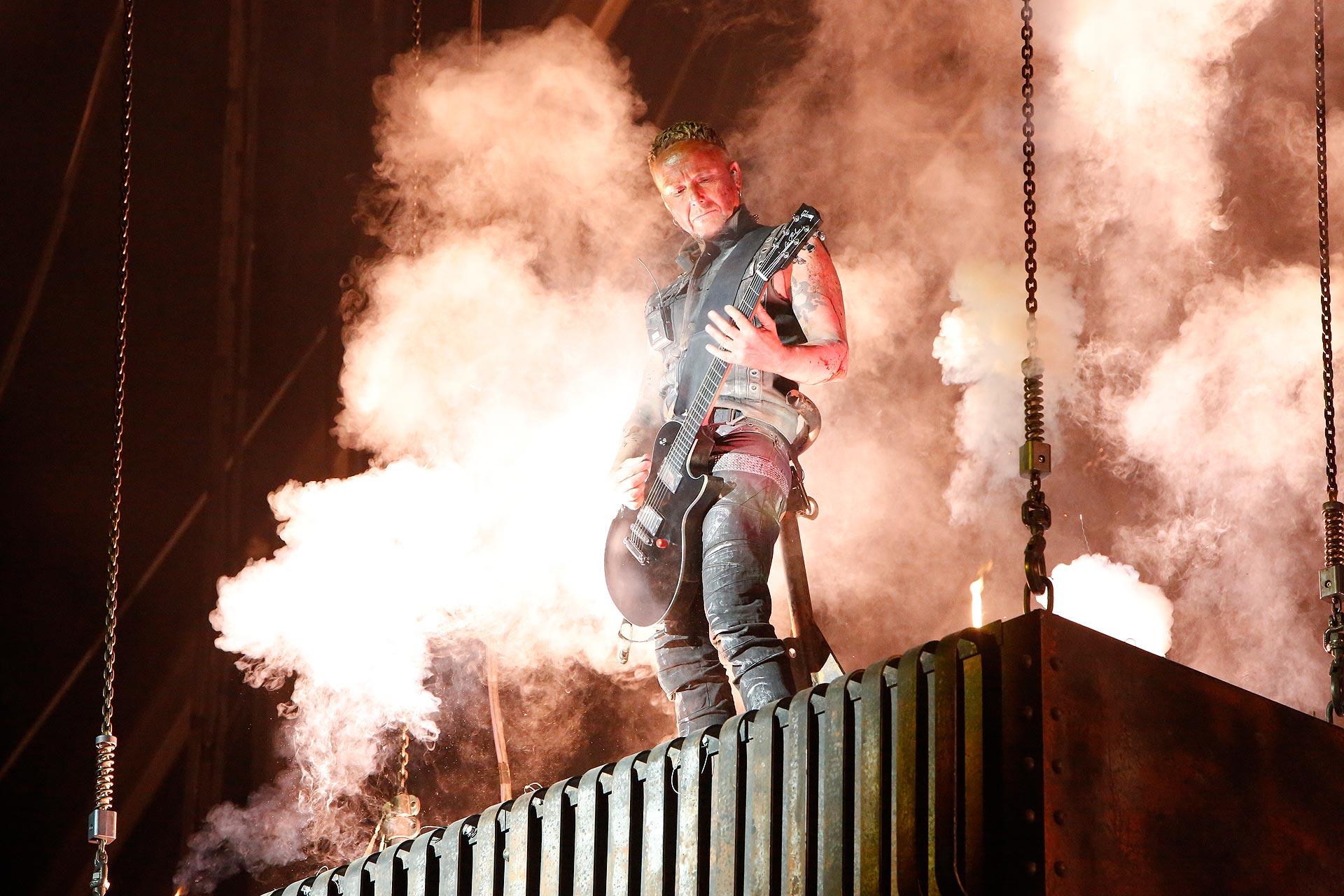 Jede Menge Pyrotechnik kam bei der Show von Rammstein zum Einsatz