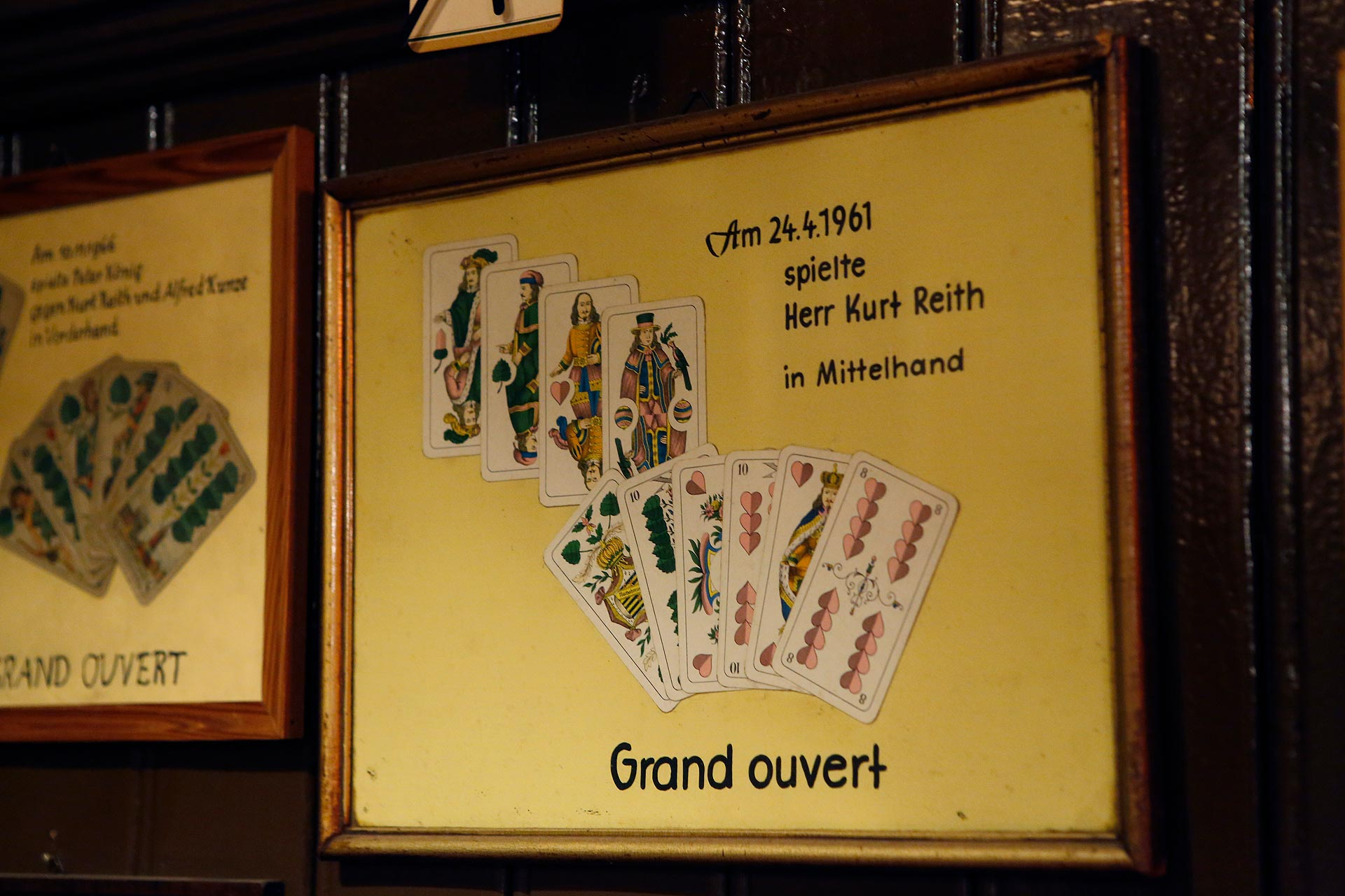 Das Skatblatt hängt seit 1961 an der Wand der Bierkneipe.