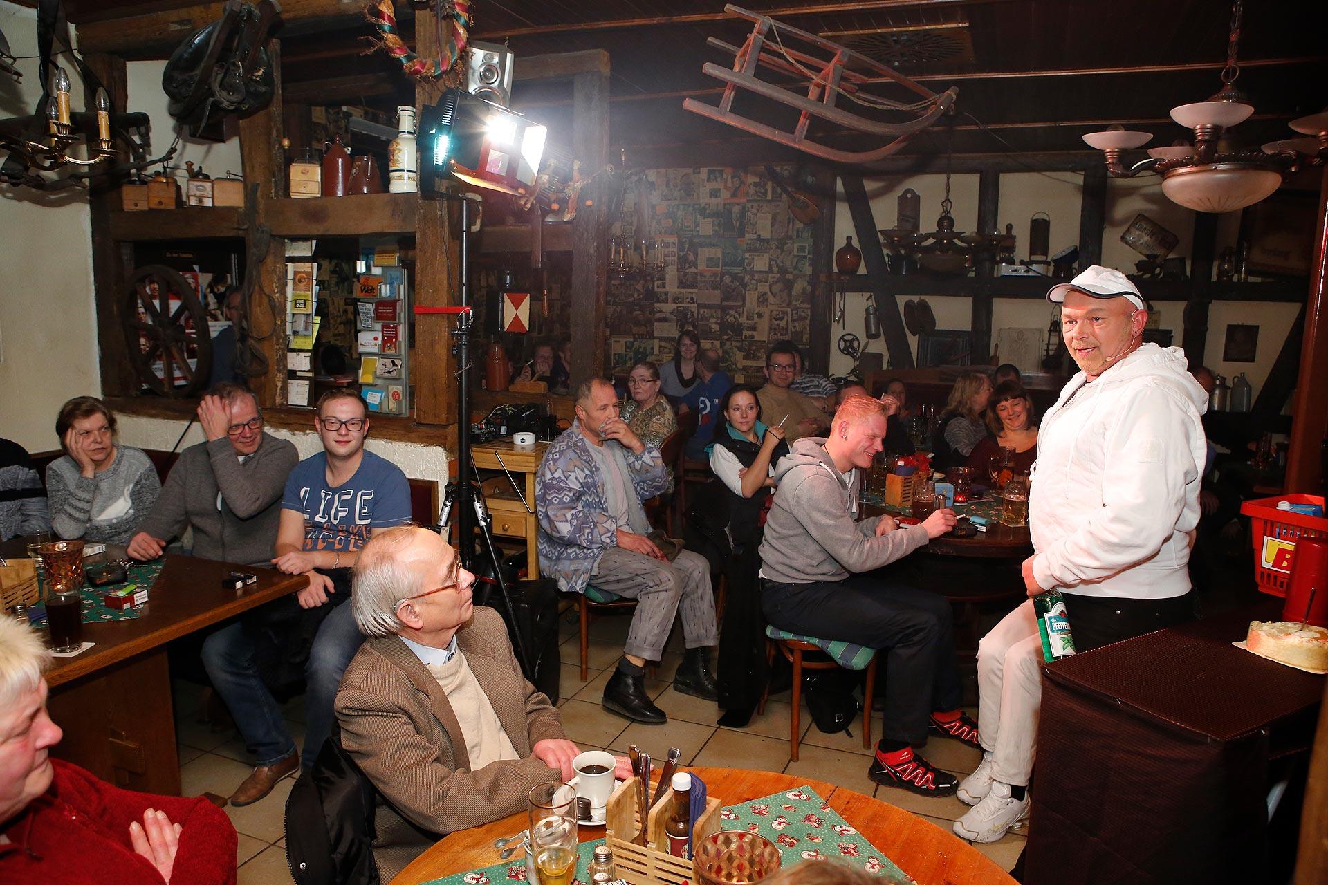Kabarettist Olaf Schmidt bei seinem Auftritt in der Tenne