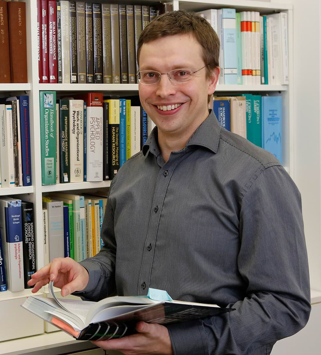 Hannes Zacher, 37, ist Professor für Arbeits- und Organisationspsychologie an der Universität Leipzig.